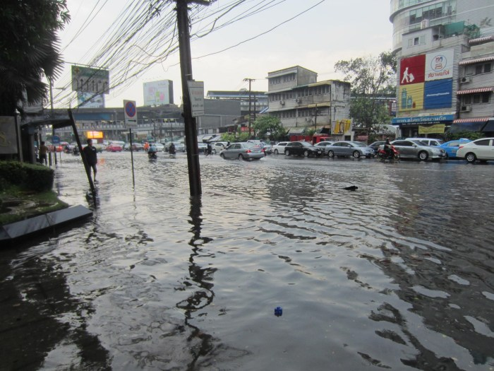 Flash flood on Asoke Road (Sukhumvit Soi 21)