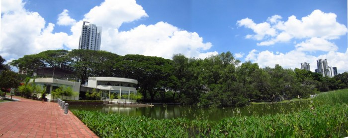 The Oasis Taiwan Porridge restaurant sits beside the beautiful landscaped pond in the park