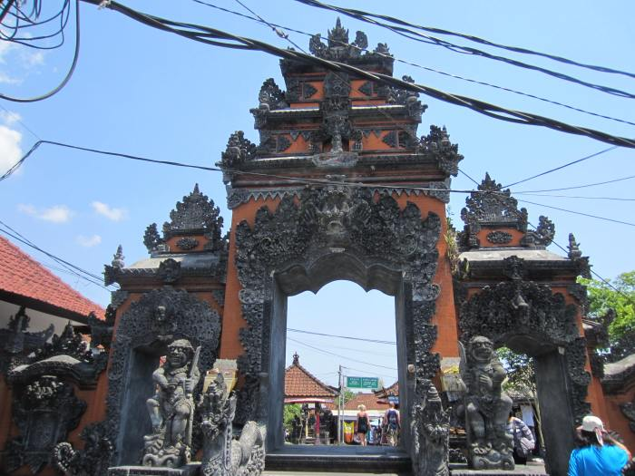 Tanah Lot entrance