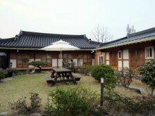 lucky-won-gyeongju-courtyard