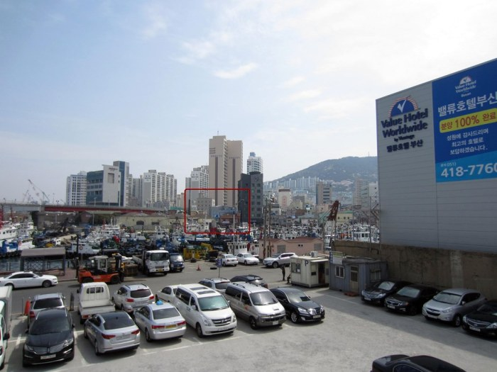 Pic taken at the end of the bridge in Yeongdo-gu. The red box is the area where Samjin Eomuk is located