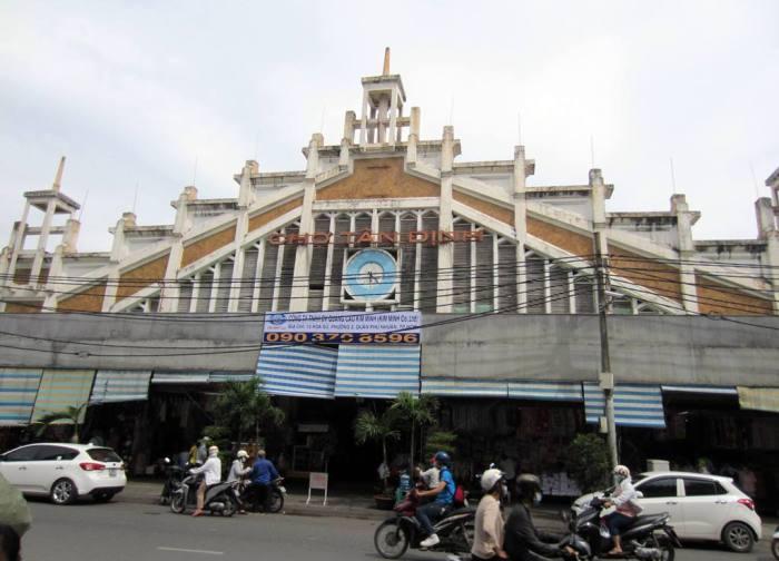 Tan Dinh Market ancient gate